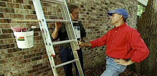 Extension Ladder Bucket Holder Today S Homeowner