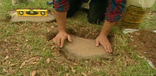 How To Create A Path In Your Yard With Stepping Stones