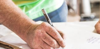 contractor writing
