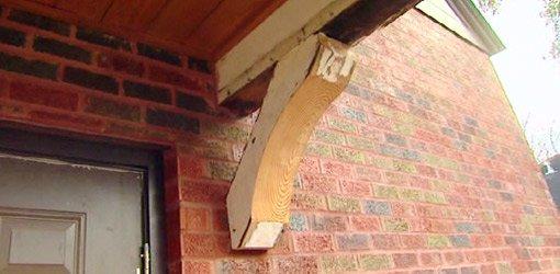 Salvaged heart pine wood roof bracket