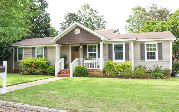 """""""Today's Homeowner"""" co-host Chelsea Lipford Wolf's home in Mobile, Alabama"""