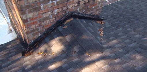 Roof with flashing and