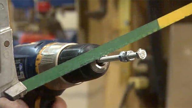 cutting bolt with hacksaw