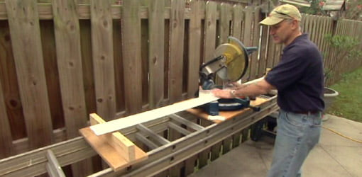 Portable miter saw table.