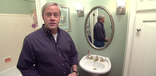 Danny Lipford gives a dated bath a facelift