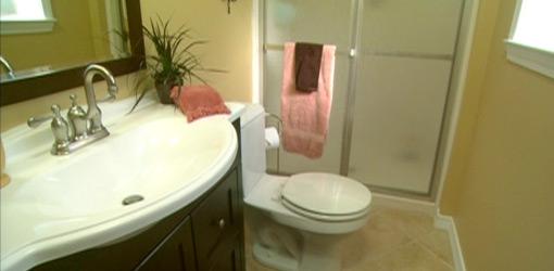 Completed remodeled budget bathroom makeover.