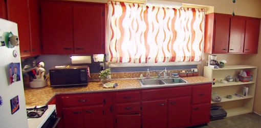 Kitchen before budget makeover.
