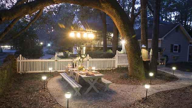 Frank Suzanne backyard