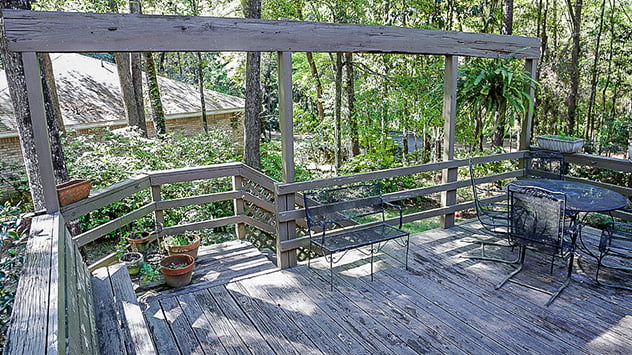 Deck with rotting wood