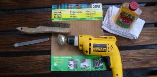 whatoil to use on garden tools