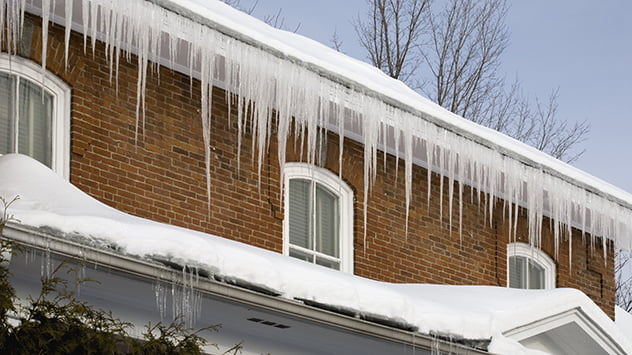 snow-on-roof-icicles