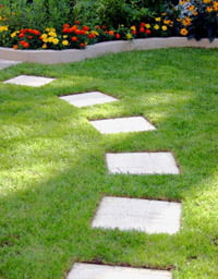 How To Make A Stepping Stone Path Today S Homeowner