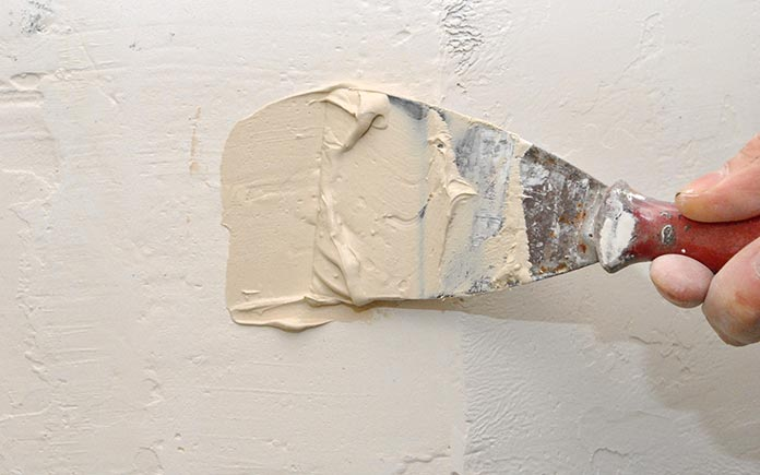 spackle a wall