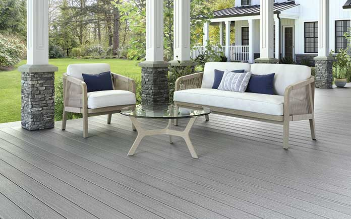 Front porch with Fiberon decking