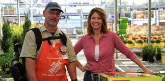Home Depot associate Dan Levin, Best New Products host Jodi Marks and Ryobi's Backpack Leaf Blower