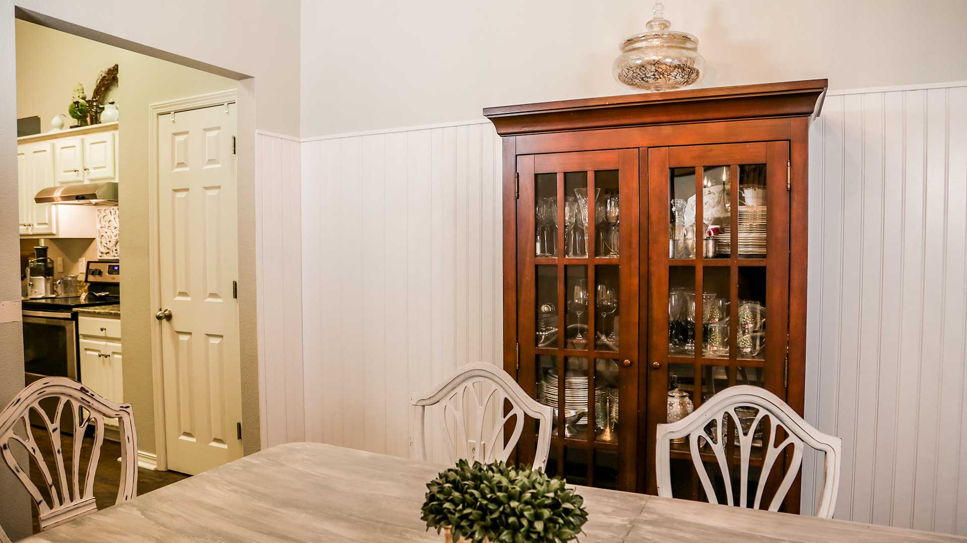 Dining Room Wainscoting Add Charm With, Wainscoting Dining Room