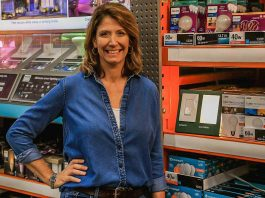 Best New Products segment featuring Jodi Marks and Lutron Sunnata dusk to dawn light
