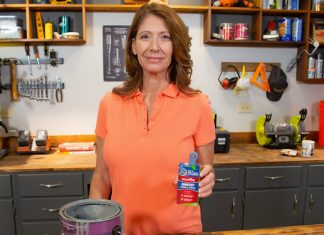 Jodi Marks, displaying Wooster's Shortcut Hook and Hold Sash Brush on the Best New Products segment of Today's Homeowner