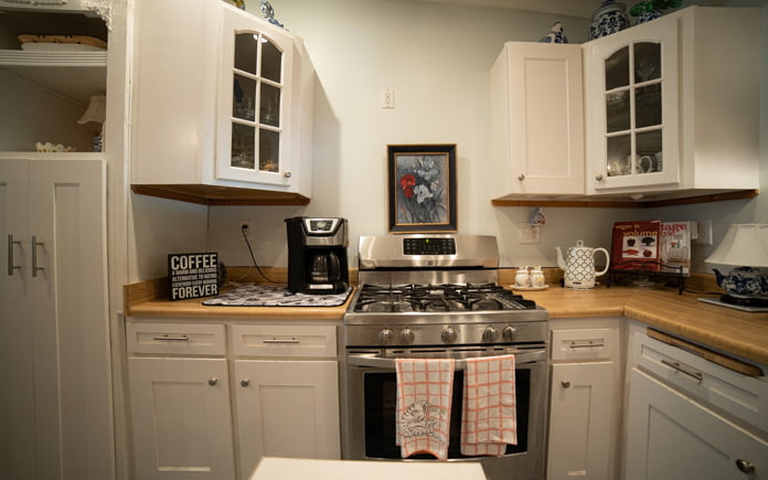 Kathrin Luton's kitchen before its renovation in Palmdale, California
