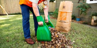 In a Best New Products segment of Today's Homeowner, Dan, a Home Depot worker, demonstrates how to pick up leaves with the Effort-less Leaf Collector.